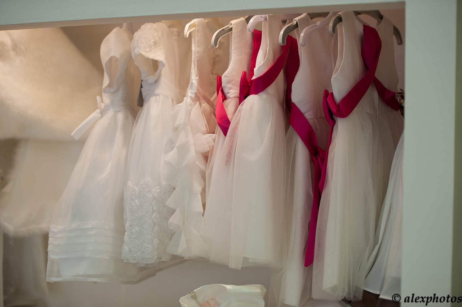 Robe de demoiselle d 39 honneur pour les petites filles for Robes de demoiselle d honneur pour les mariages de novembre